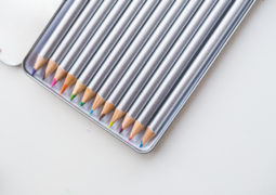 pencils crayons crayon colored pencils