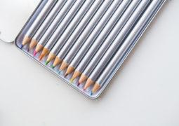 pencils crayons crayon colored pencils